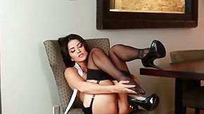 HD Sunny Leone tube Hot babe Sunny Leone surrounded by her sexy dark-skinned stockings sits