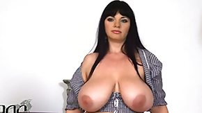 Free Crotchless HD porn videos Cute kitty Joanna Bliss gives pleasure